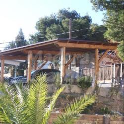 Garaje de madera